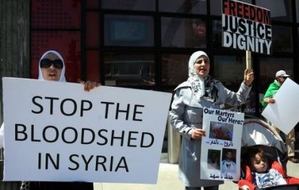 Flyktingbostader protester hindrar byggen