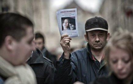 Le corps de Marion Bouchard, la jeune femme de 21 ans disparue à Dijon depuis le 26 janvier, a été retrouvé dans cette ville et son compagnon a été placé en garde à vue, a-t-on appris jeudi de source proche du dossier.