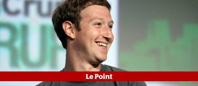 """Le patron de Facebook Mark Zuckerberg avait souligné en septembre que """"l'avenir"""" était désormais dans les appareils mobiles, promettant que son groupe allait """"gagner plus d'argent sur les mobiles que sur les ordinateurs""""."""