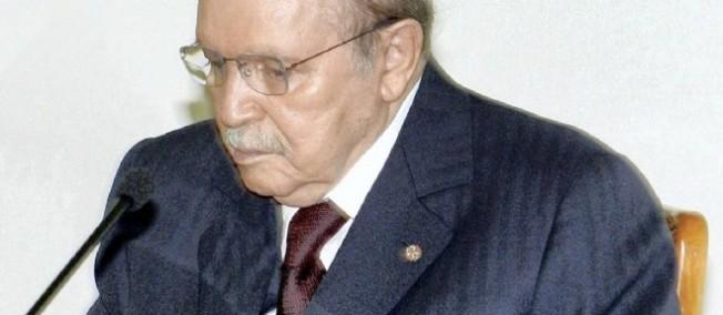 Le président algérien a déjà été hospitalisé durant trois mois à Paris en 2013 après un AVC.