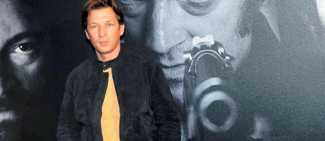 """Christophe Rocancourt pose lors de l'avant-première du film """"Mesrine"""" à Paris."""