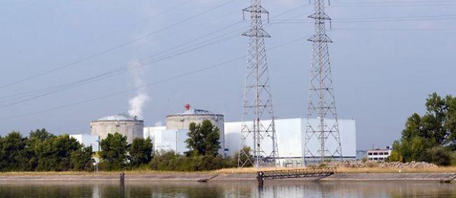 La centrale nucléaire de Fessenheim, en Alsace, le 19 juillet 2013.