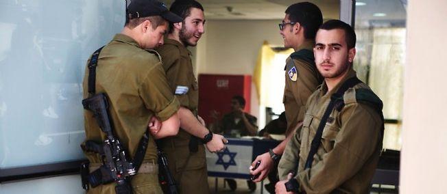Dans le document compilant les témoignages de plus de 60 officiers et soldats ayant participé à la guerre de juillet-août 2014, Briser le silence insiste sur la volonté de l'armée israélienne de limiter ses pertes.