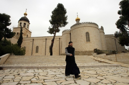 Dmitry Dub, un des six prêtres russes, vivant dans l'église russe orthodoxe de Mamaré à Hébron le 6 janvier 2016 © HAZEM BADER AFP
