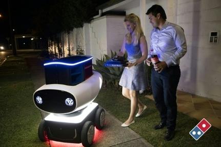 Photo fournie par Domino's montrant un robot chargé de livrer des pizzas en Nouvelle-Zélande