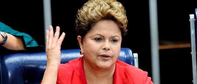 Dilma Rousseff est accusée d'avoir maquillé des comptes publics.