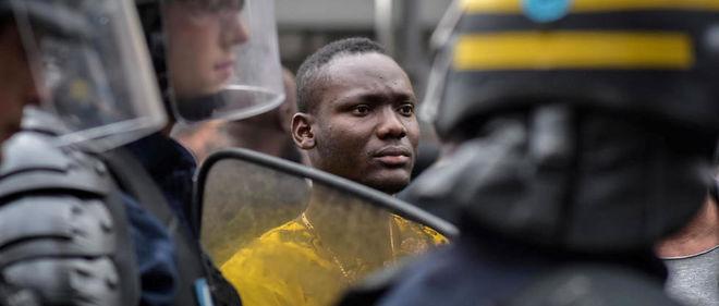 https://i0.wp.com/www.lepoint.fr/images/2016/08/06/5039088lpw-5039116-article-adama-traore-mort-gendarmes-jpg_3707199_660x281.jpg