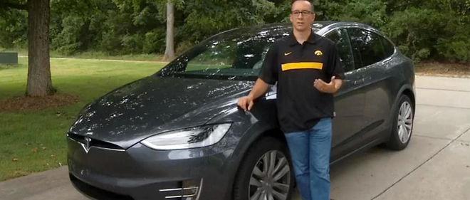 Joshua Neally aime encore plus sa Tesla Model X depuis qu'elle lui a sauvé la vie.