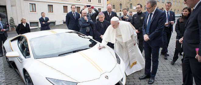 La Lamborghini papale s'est envolee au feu des encheres