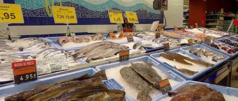 Tres peu de cabillauds, de soles et de bars vendus en supermarche sont issus de la peche durable.