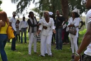 Les parents et amis du mannequin Awa Fadiga décédée dans des circonstances encore floues se sont déplacés en grand nombre au CHU (Ph : Dr)