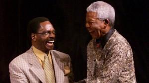 "L'ancien boxeur américain Rubin ""Hurricane"" Carter et Nelson Mandela (Ph: Dr)"
