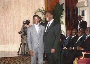 l'honorable Vah Yao Josué président national du Parlement des Jeunes de Côte d'Ivoire en compagnie du Président Alassane Ouattara (Ph:Dr)