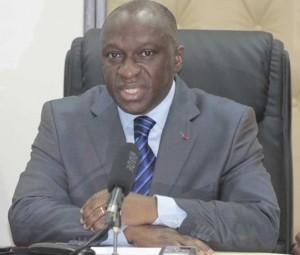 La démission du ministre de l'Environnement, de la salubrité et du développement durable est réclamée par les acteurs du secteur des sachets plastiques.