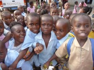 Les enfants doivent faire l'objet de beaucoup d'attention de la part des parents et des autorités.