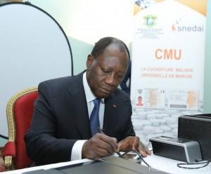 Le lancement de la CMU a débuté par l'enrôlement du  Président Ouattara