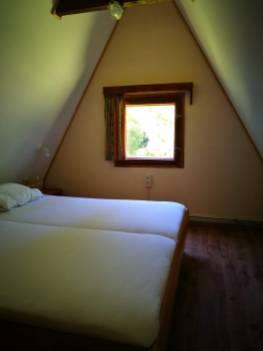 la chambre avec lit double