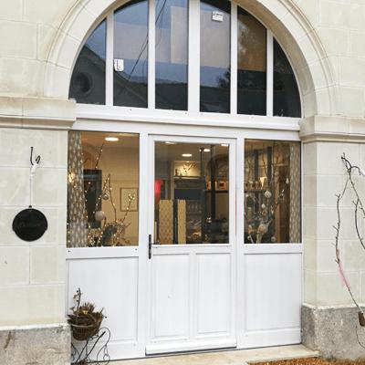 le quai namaste salon de coiffure artisan coiffeur coloration vegetale soins energetiques Accueil localisation 03 - Le Quai Namasté - Accueil - Salon de coiffure - Coupe énergétique - Shiatsu crânien - Colorations végétale - Saumur