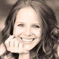 le quai namaste salon de coiffure artisan coiffeur coloration vegetale soins energetiques Accueil portraits jeune femme 06 - Rien que pour vous