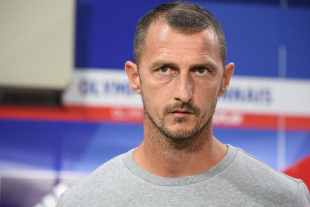 Jérôme Arpinon, l'entraîneur de Nîmes, attend une réaction. (A.Mounic/L'Équipe)