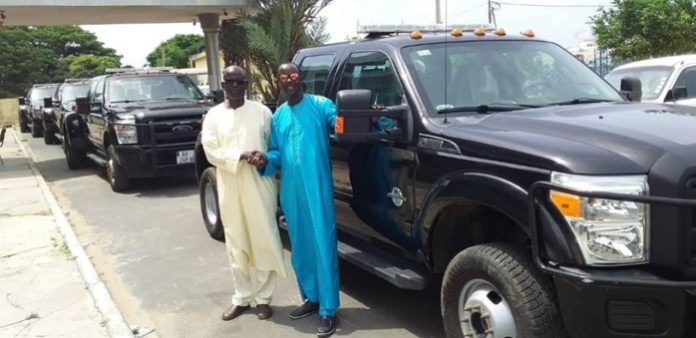 PHOTOS-L'incroyable parc automobile de Me Abdoulaye Wade