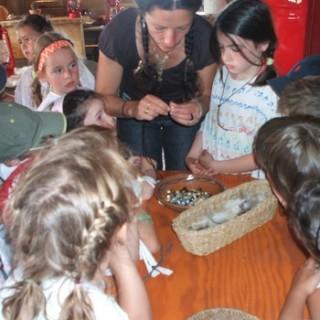création collier indien - Tipis d'hôtes Languidic Morbihan