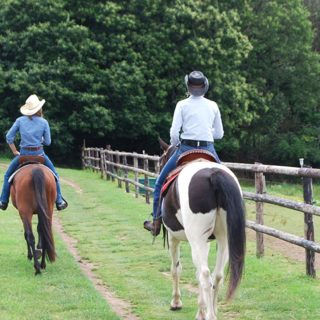 balade-a-cheval-cowgirls_ranch-de-calamity-jane-morbihan