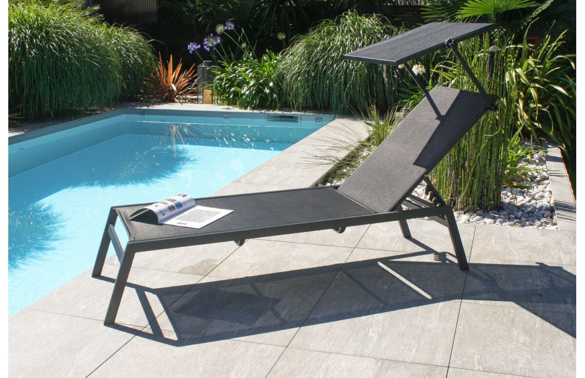 bain de soleil design toscane en aluminium et textilene avec brise soleil anthracite dcb garden