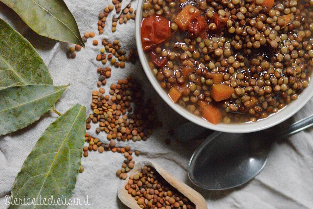 lenticchi umido 2 - Lenticchie in umido, ricetta semplice