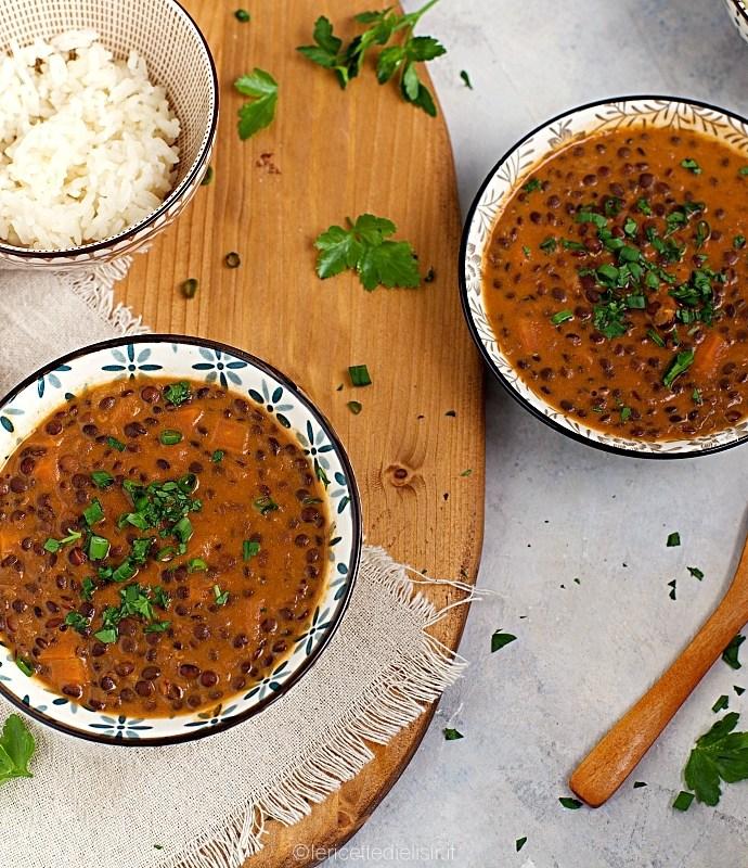 Curry di lenticchie miste con riso basmati