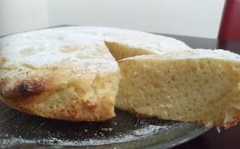 torta all'arancia vegan in padella