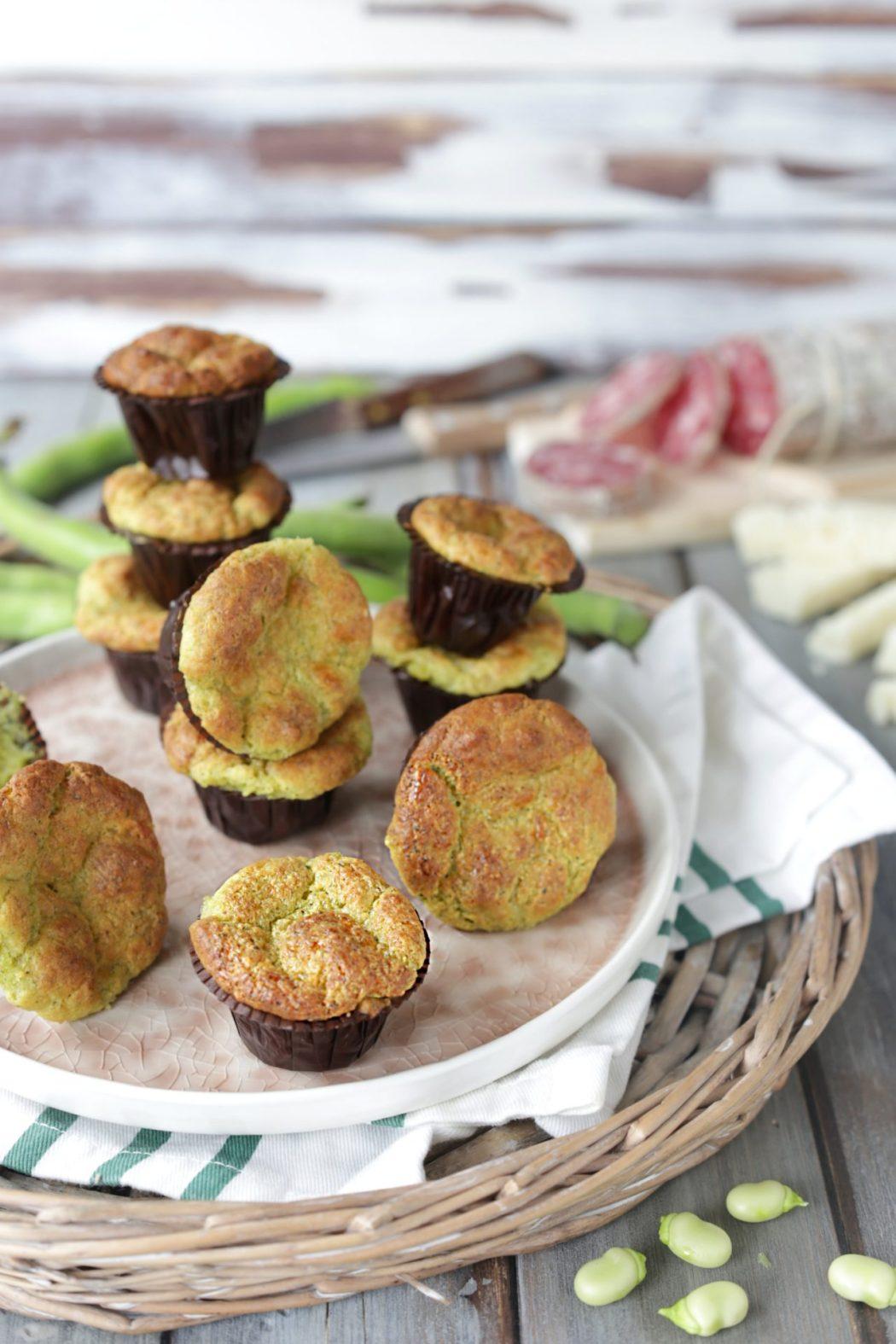Ecco una ricetta per fare dei soffici e gustosi muffin salati con le fave fresche