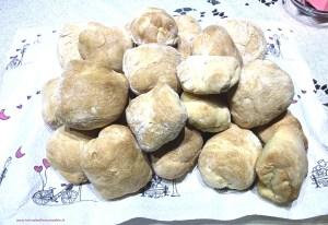 panini-da-pic-nic-con-lievito-madre-300x206 Panini da pic nic con lievito madre