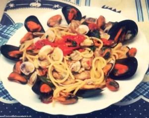 spaghetti-con-vongole-e-cozze-300x238 Spaghetti vongole e cozze