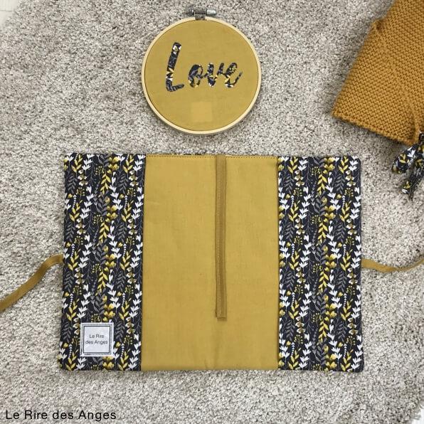 protege carnet de sante love