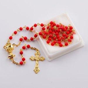 chapelet avec perles rondes corail rouge-chaîne dorée-première communion