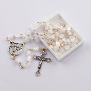 chapelet avec perles ovales nacre-blanc-confirmation