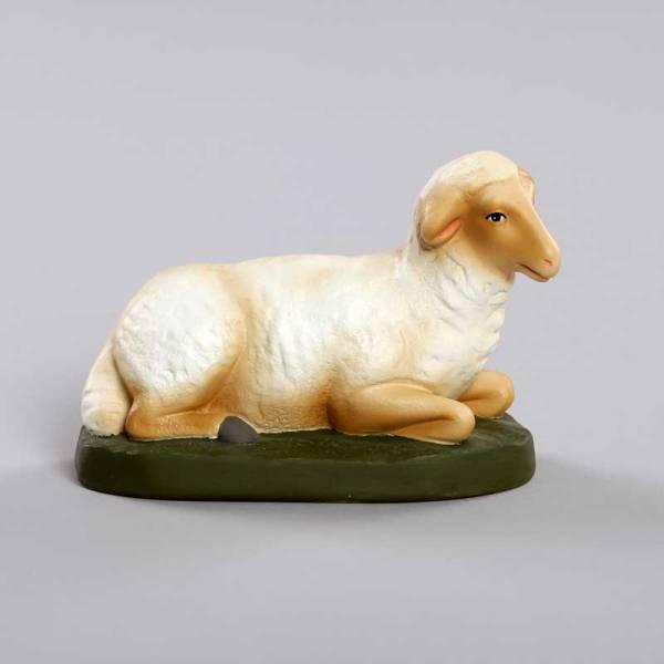 mouton assis crèche