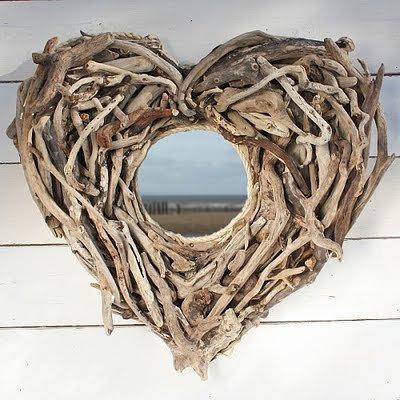 Coeurs en bois flotté