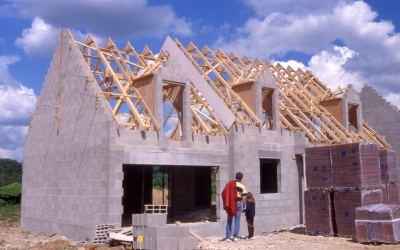 Les énergies renouvelables, un soutien fort au marché de la maison individuelle