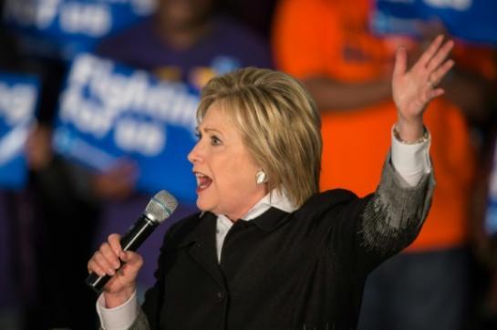 Hillary Clinton, le 7 mars 2016 lors d'un meeting à Detroit (AFP/Geoff Robins)