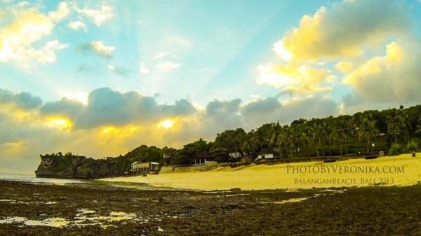 Bali plage : la péninsule, Jimbaran, Bukit, Nusa Dua. Balangan by Veronika