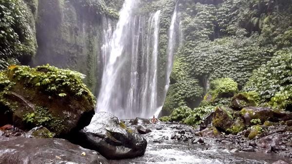 Mont Rinjani, compétition ultra trail 2013 à Lombok Le trek cascade