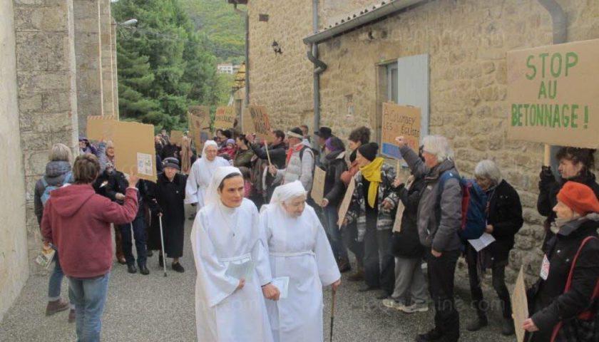 Ardèche : manifestation anti-catholique à la sortie d'une messe
