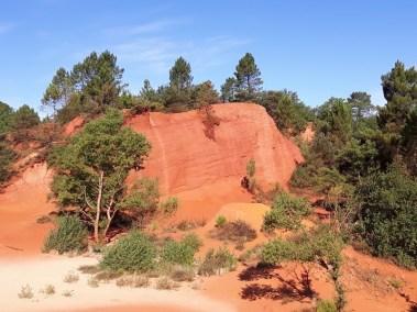 Du Colorado Provencal De Rustrel Au Sentier Des Ocres De Roussillon Les Amoureux Du Monde