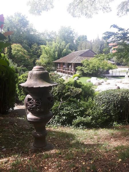 Lanterne jardin japonais toulouse les amoureux du monde for Lanterne jardin japonais