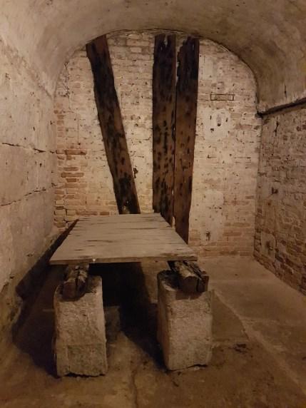 Palais des Doges - Venise - Itinéraires secrets - Une cellule des anciennes prisons