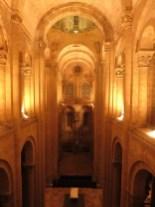 Jeu de lumière à L'Abbatiale Sainte-Foy de Conques