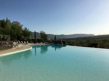 piscine du domaine de Saint Esteve à Millau
