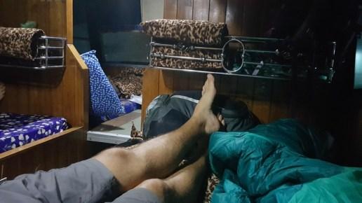 les couchettes d'un bus de nuit au Laos